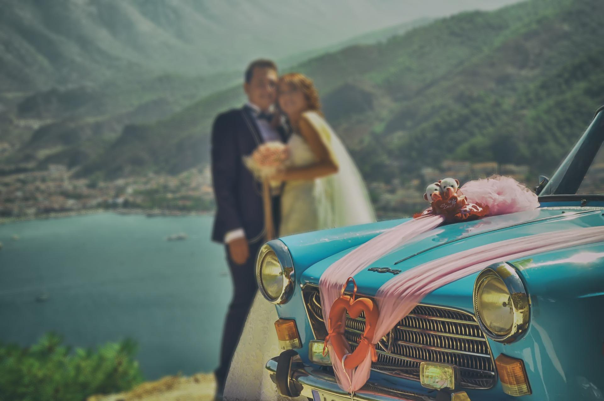 bride-groom-621634_1920